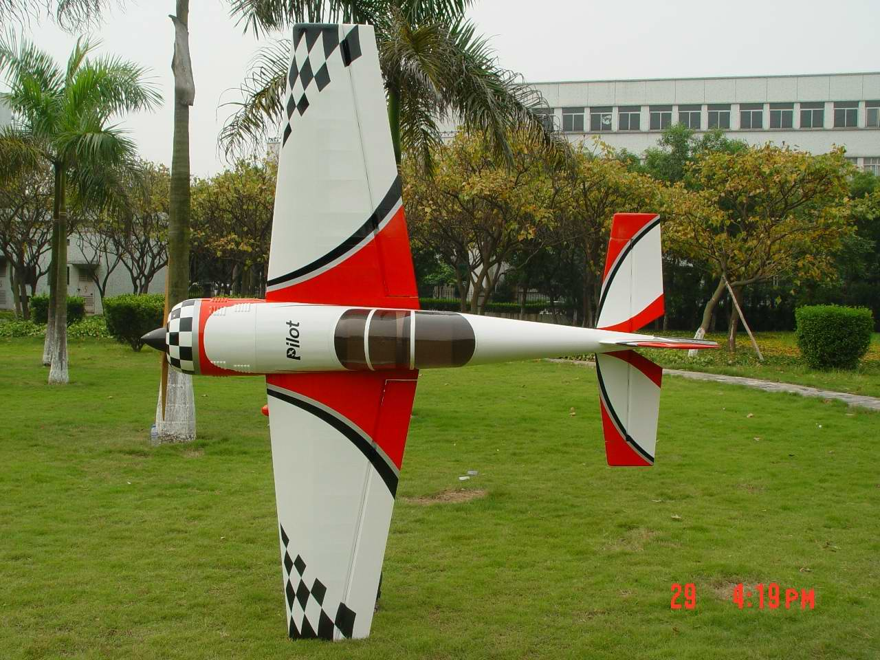 YAK54 26%/red-white
